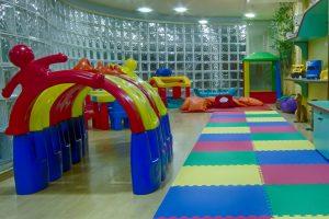 Programa Kids: Child Care para acolher as crianças.