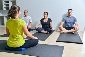Aprenda a meditar , em pequenos grupos!