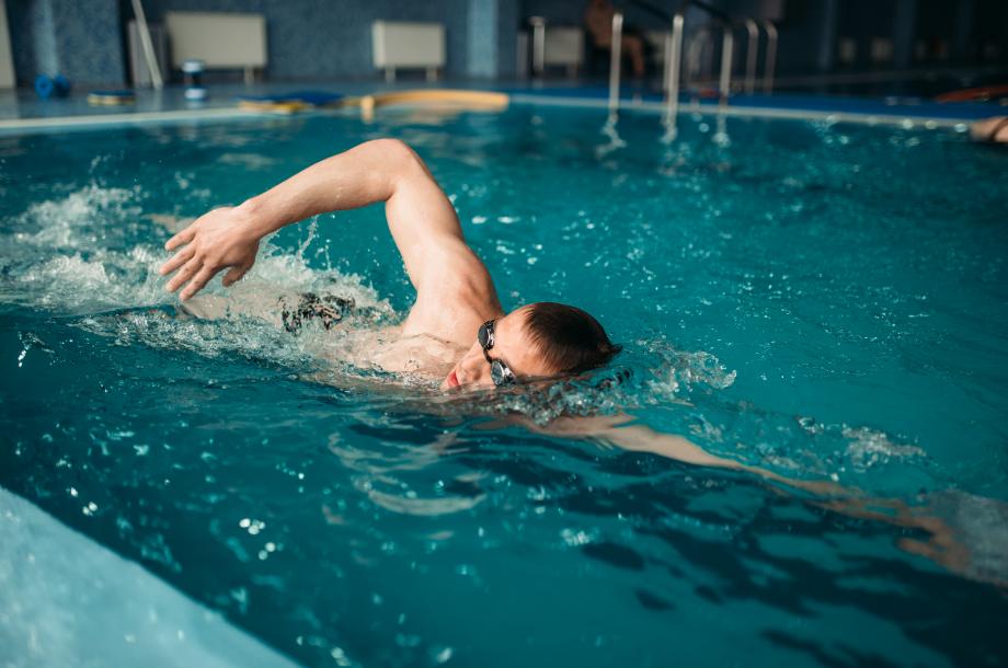 Nadar traz uma série de benefícios para adultos e crianças. Na natação SJC da Cia Athletica, existem atrativos a mais. Saiba aqui.