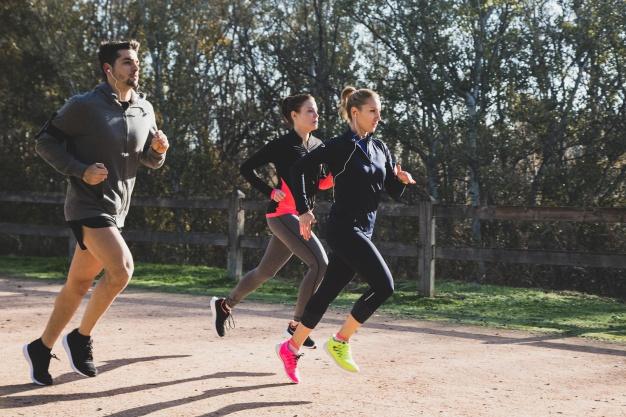 Como perder peso - pessoas correndo
