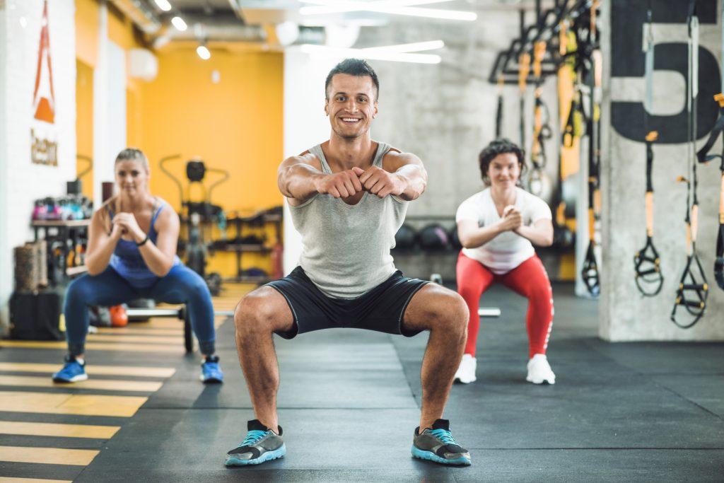 Agachamento conheça os exercícios para definir musculatura